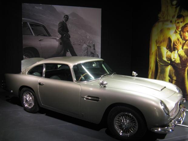 007ジェイムズ・ボンドと一緒にイギリス英語を勉強