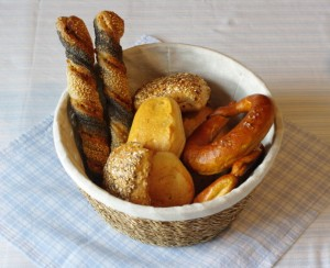 イギリス英語の単語では「パン」イコール「bread」なのでしょうか?