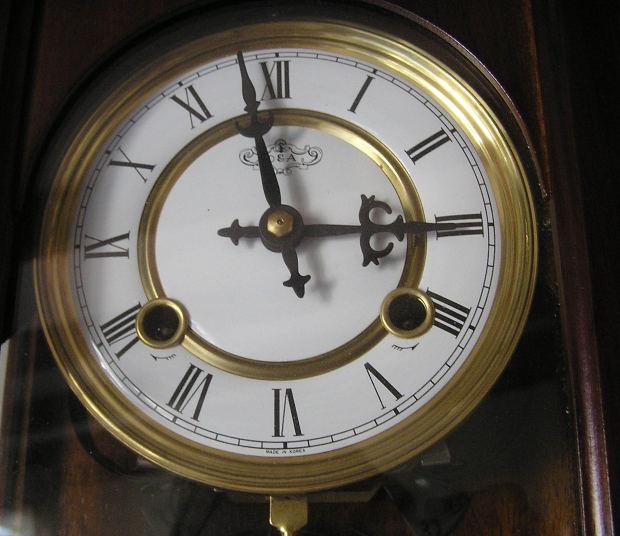 イギリス人が使う時間の表現とアメリカ人が使う時間の表現の違い