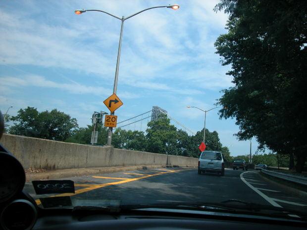 イギリス英語とアメリカ英語のボキャブラリーの違い: 車・運転関係のボキャブラリー(パート1)
