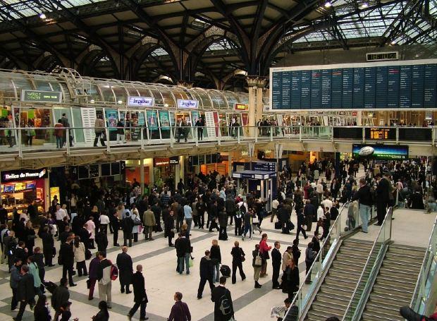 イギリス観光に行くなら絶対に知っておくべき:イギリスで電車チケットを安く買う方法とコツ