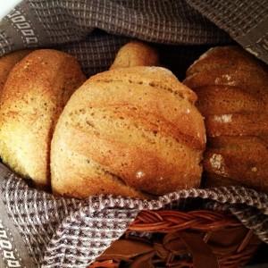 「丸パン」(食パン)はイギリス英語で何と言いますか?