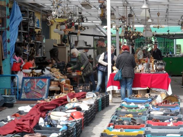 イギリスとアメリカのカルチャーの違いとボキャブラリーの違い:「flea market」、「jumble sale」、「garage sale」、「car boot sale」とは?