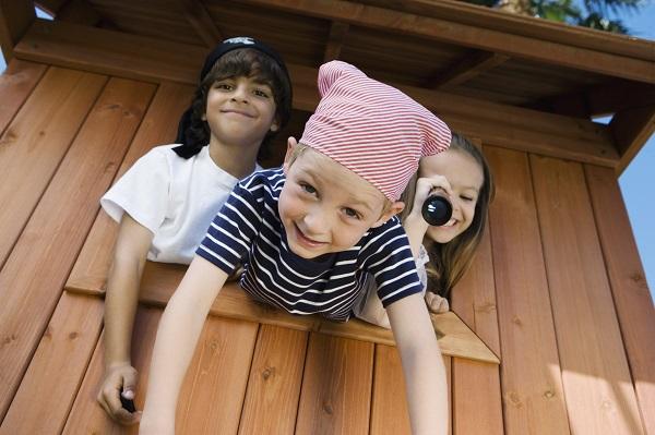 「鬼ごっこ」や「隠れん坊」は英語で何と言う?子供遊びで使う英語フレーズを紹介します!