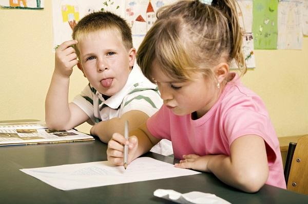 イギリス人の子供はどうやって難しい英語のボキャブラリーを覚えるのか?