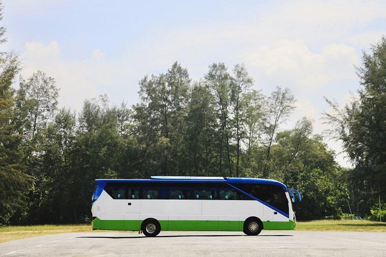 イギリス英語で「長距離バス」という意味になるcoachの使い方