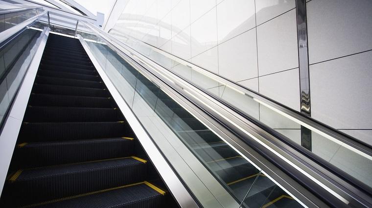 ロンドン地下鉄のエスカレーターマナーについて