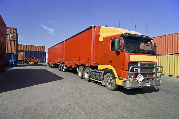 トラックはイギリス英語で何と言う?