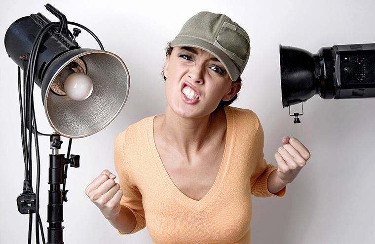 「口うるさい」,「おしゃべり」という意味のウェールズ英語のスラング chopsing